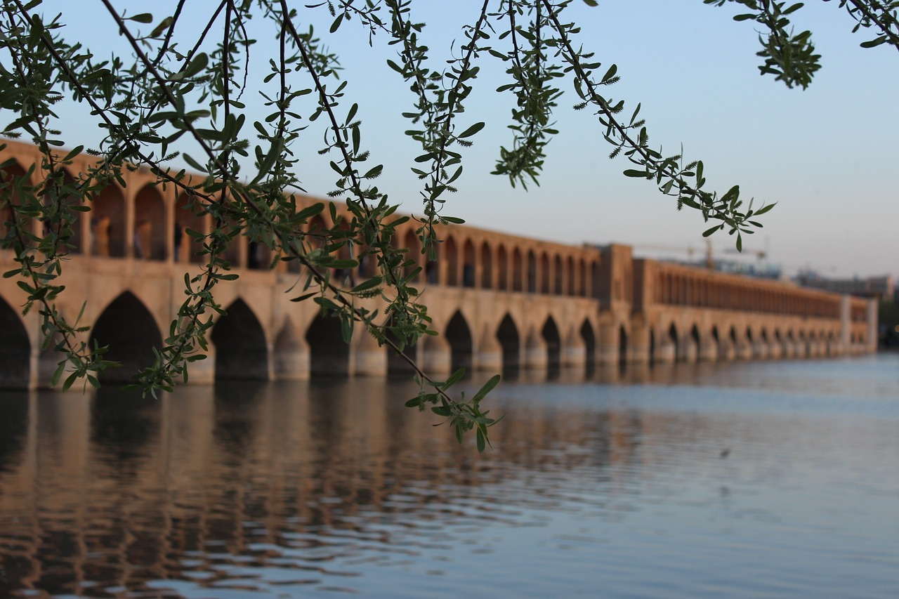 6 of Iran's Most Beautiful Bridges, Old and New