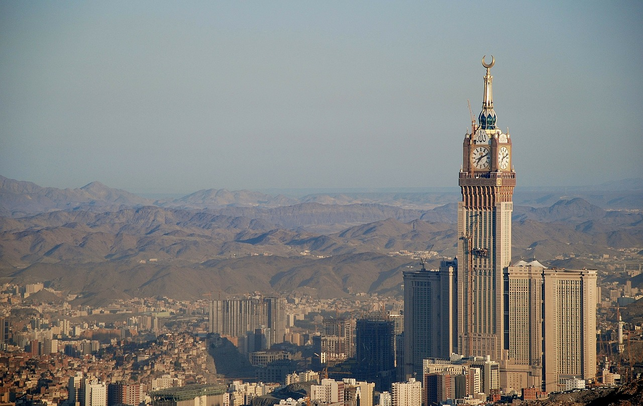 6 Facts You Need to Know about the Abraj Al-Bait Clock Tower